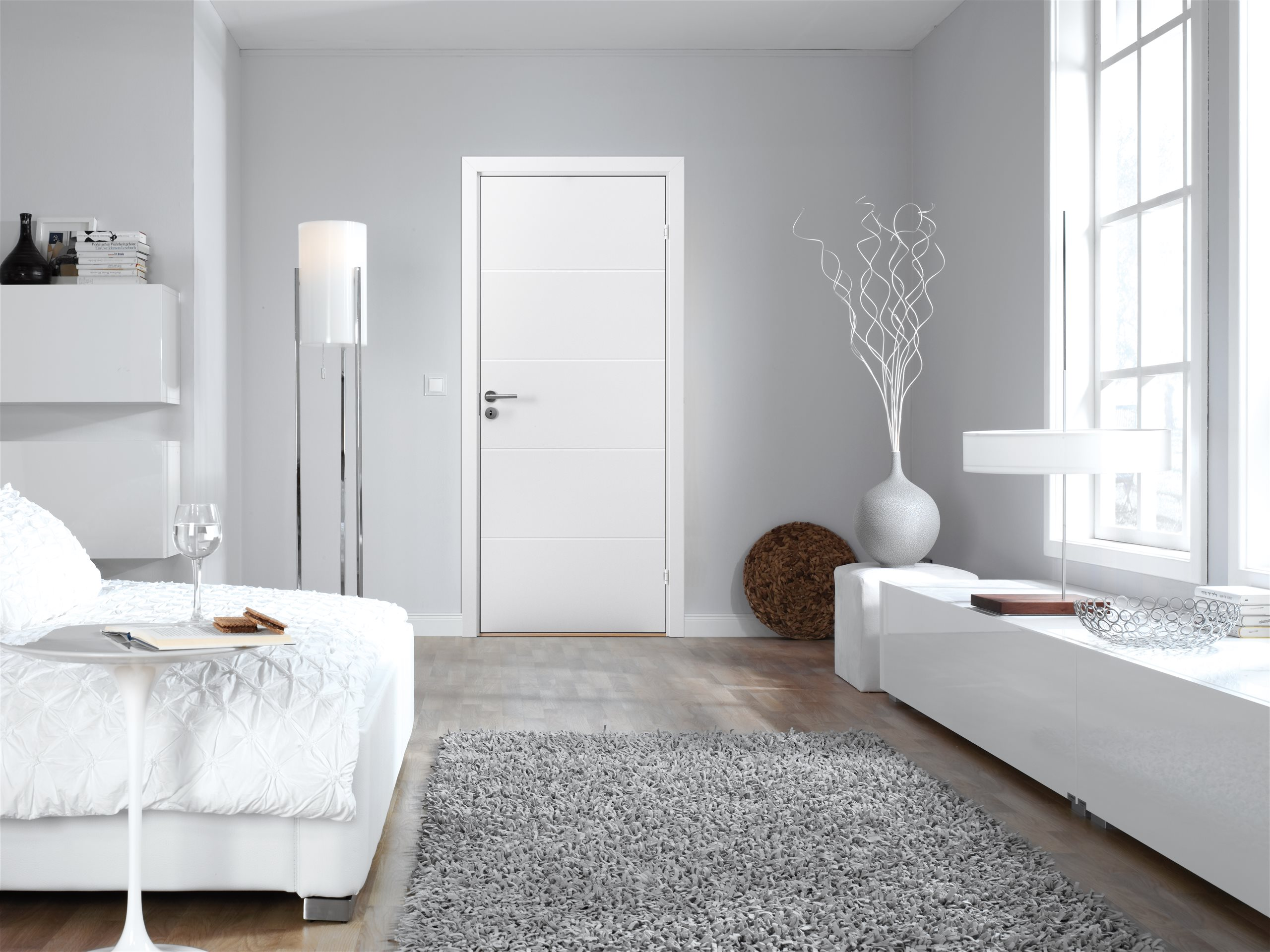 Stable-Effect-H500-white-bedroom-scenery
